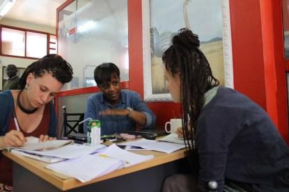 8/8/2016_Martina, Elizabeth e Alice, durante l'intervista_Arusha_Tanzania