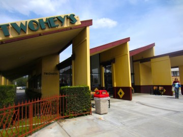 Twohey's, best burgers in the San Gabriel Valley