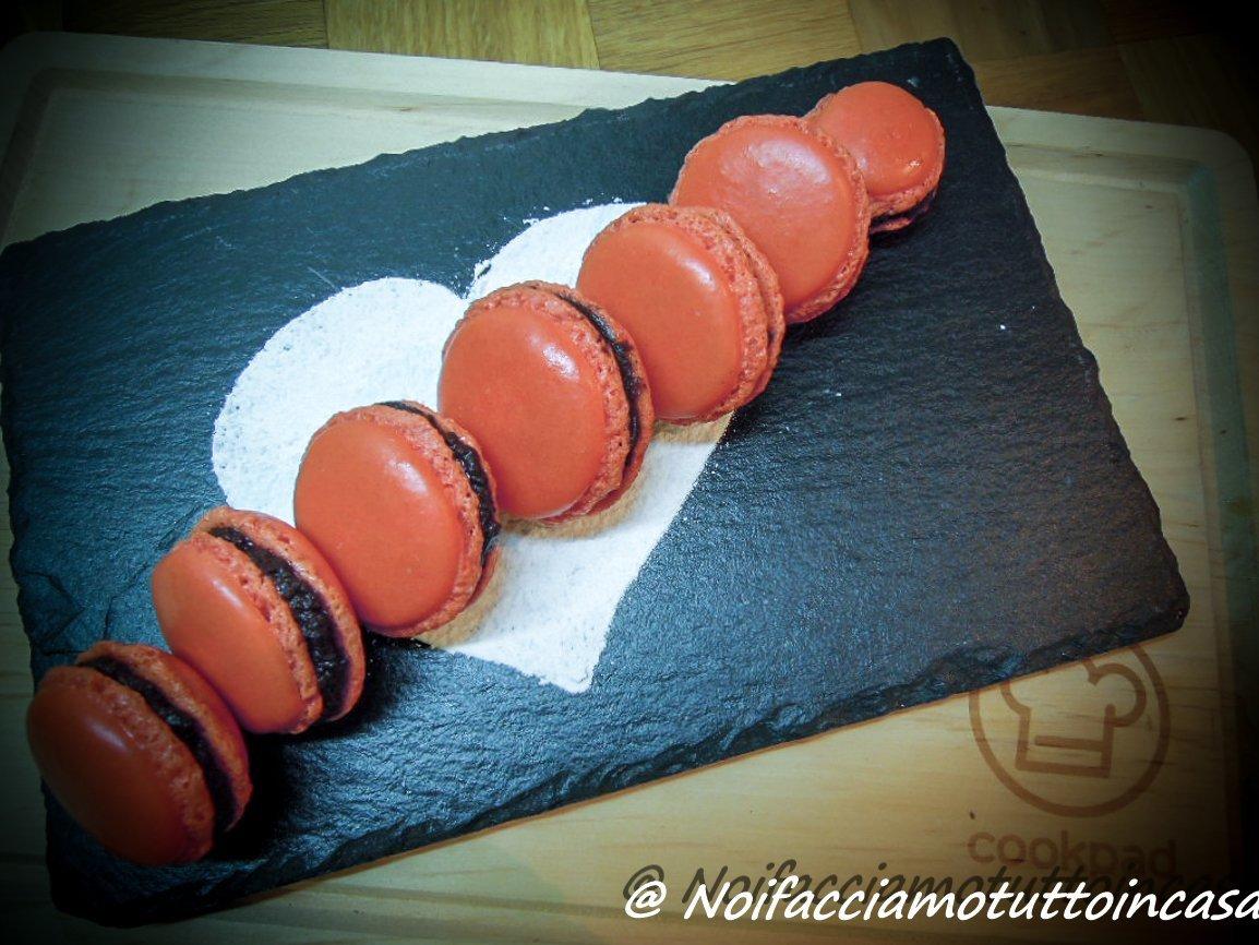 Macarons con ganache al cioccolato fondente piccante-ar1-1