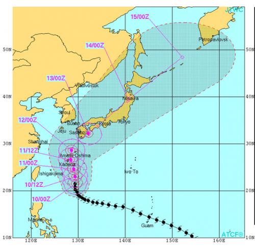 台風19号米軍進路予想2014