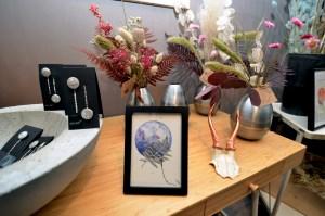 Aquarelle une infinité de possibles fougère violet planète plante mlam noiram marion-lorraine poncet atelier 21 petite fleureuse crâne