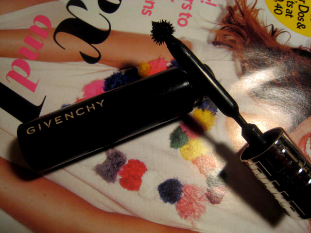 Best Volumizing Mascara 1