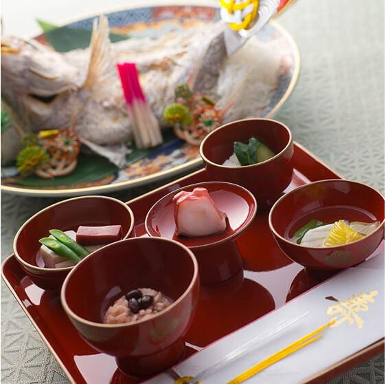 遊山のお食い初め膳の画像