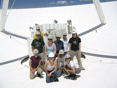 Don't mind us, just chilling in the dish. Socorro Summer Students of 2004!