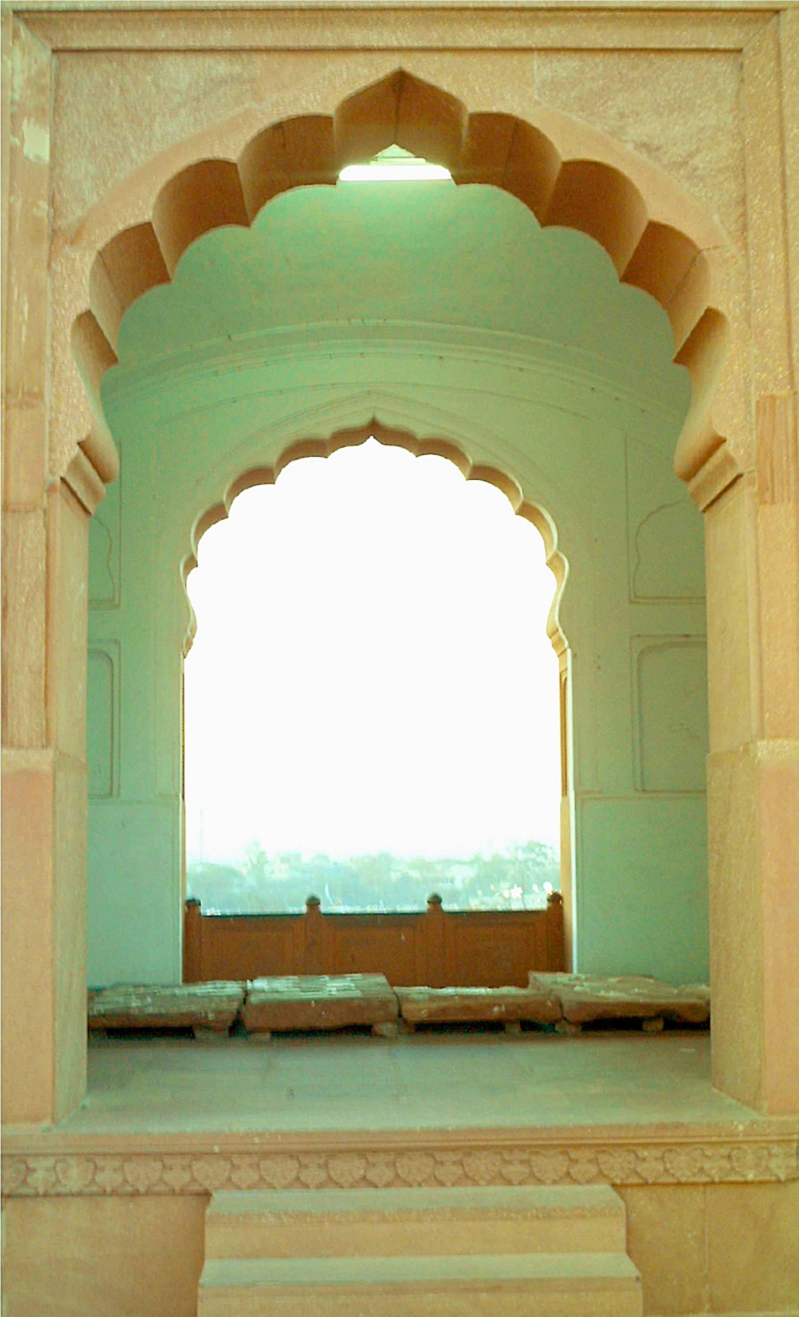 Jharokha overlooking Iqbal Park (venue of the Lahore Resolution) from Aurangzeb's Badshahi mosque