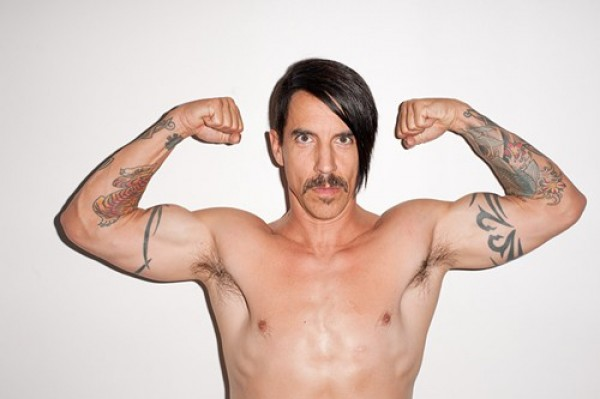 Anthony-Kiedis-Red-Hot-Chilli-Peppers-FuteRock