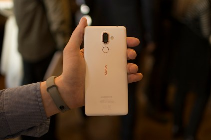 Nokia 7 Plus white final in Vienna 7