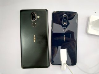 Nokia X6 vs 7 Plus size comparison 2