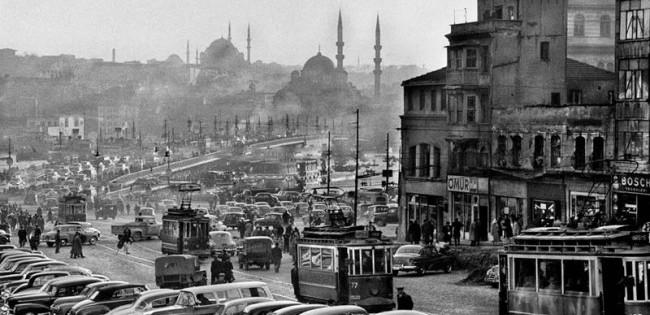 Türkiye'den Yurtdışına Göç Neden Hız Kazandı?