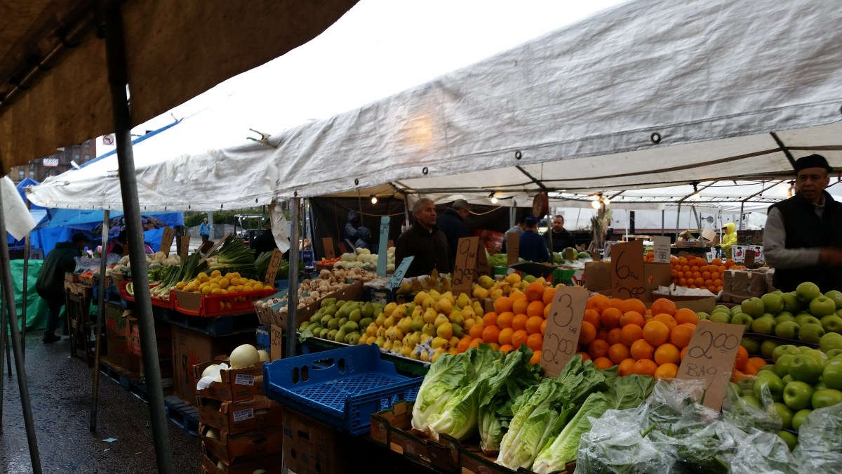 Misfits, Co-Ops and Farmers: Types of Markets That Could Help the Environment