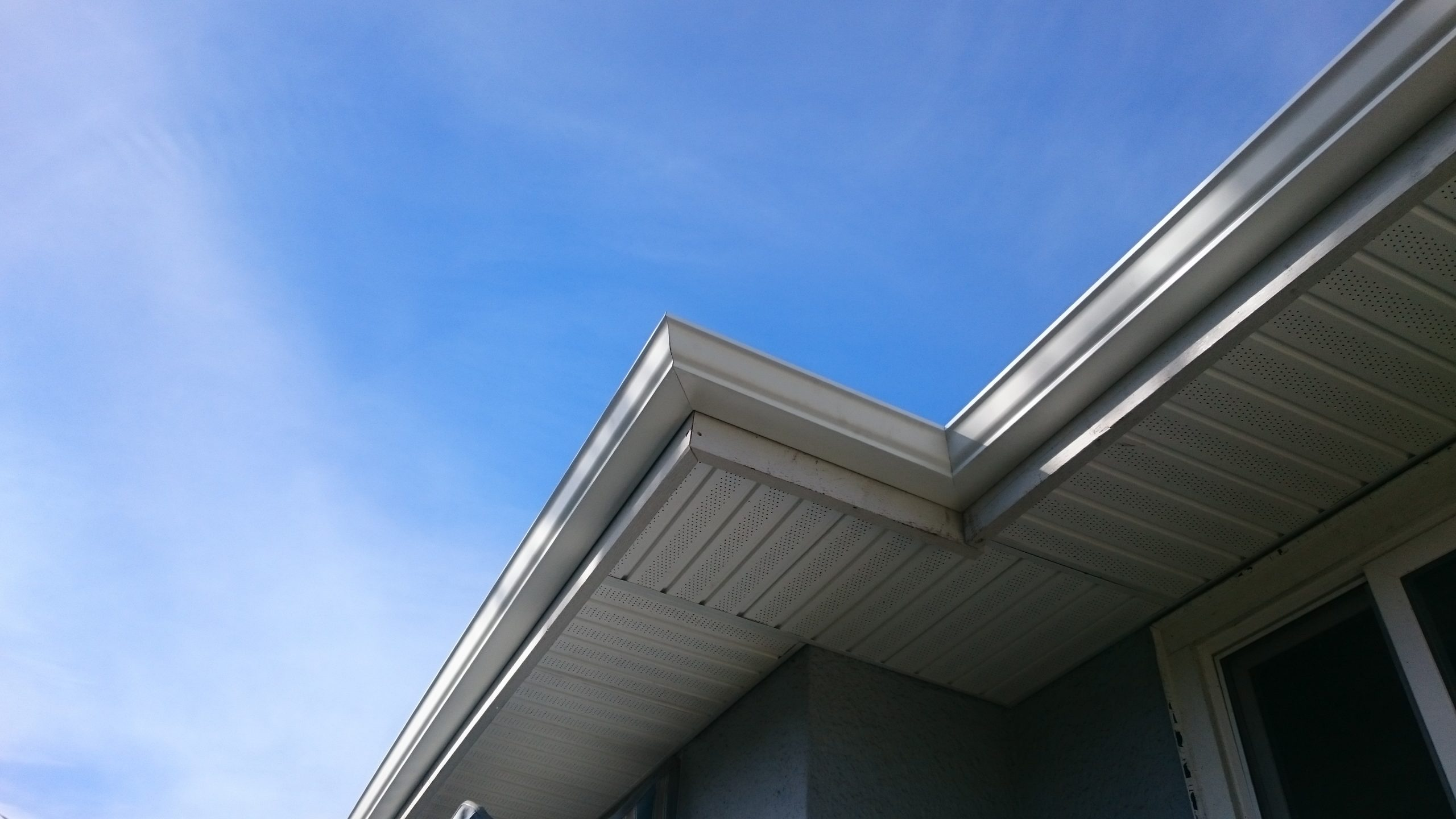 hand mitered corners on seamless aluminum gutters