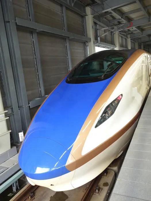 金沢で見た北陸新幹線