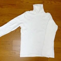 ユニクロのメンズ・ソフトタッチハイネックTは女性のだぼだぼファッションに使える!生地がなめらかで暖かい