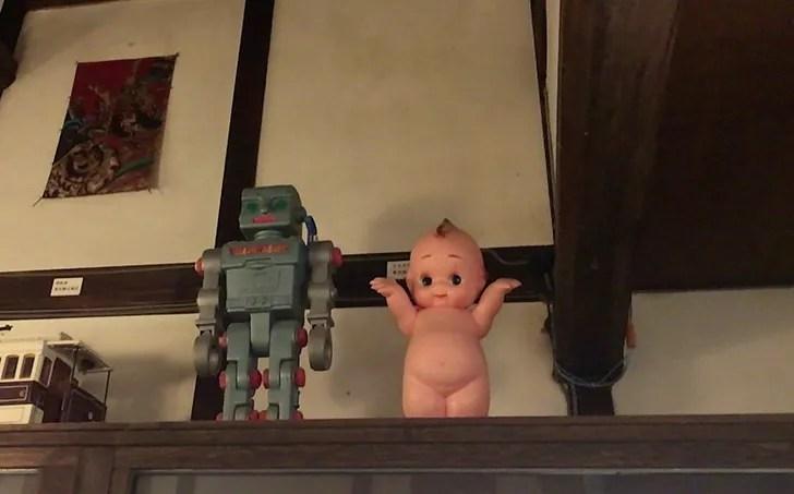 日本玩具博物館のキューピーとブリキ