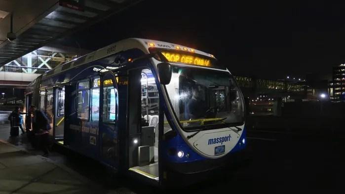 ボストン シャトルバス