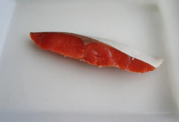 コストコの天然紅鮭定塩切身・甘口(鮭の色合い)