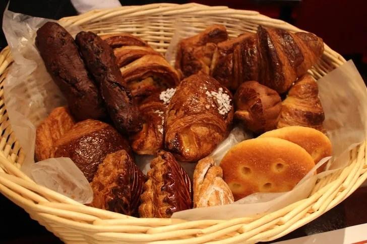 Brasserie VIRONの選べるパンたち