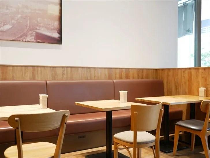 カフェの座席