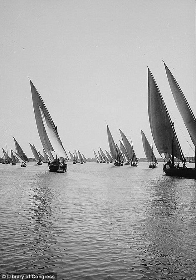 35359DE200000578-3638657-Rows_of_feluccas_on_the_Nile_in_1900-m-18_1465840900752