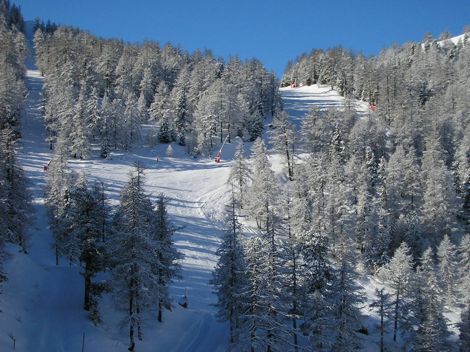 ski_resort_holiday_291680