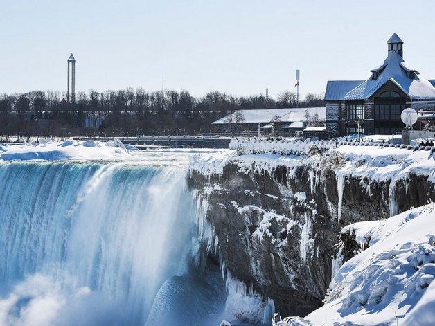01niagara-falls-in-canada-and-new-york