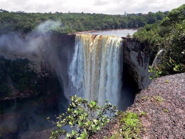 05kaieteur-falls-in-guyana
