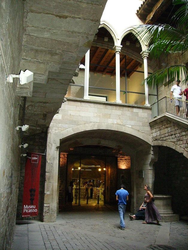 1024px-Museu_Picasso_Barcelona