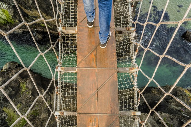 Crossing-Carrick-a-Rede-Bridge1