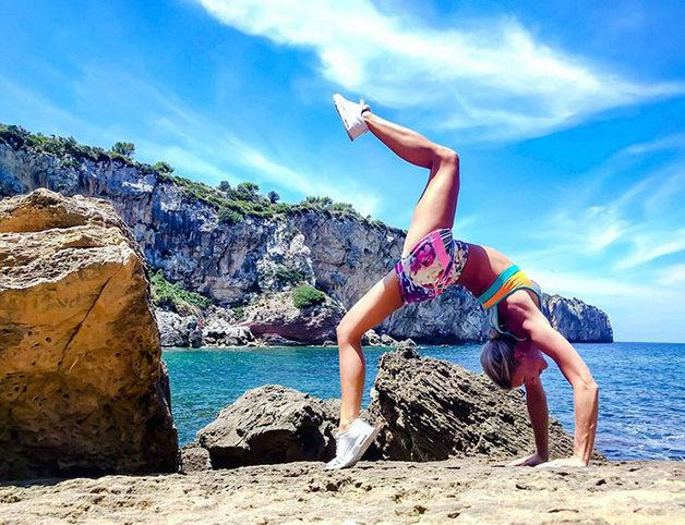 woman-pilot-yoga-maria-pettersson14