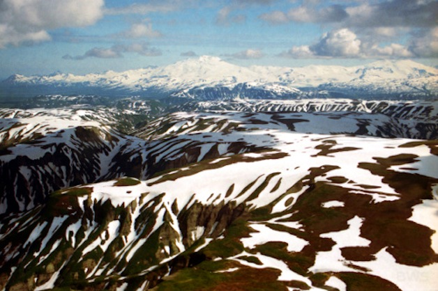 a056_katmai_national_park_brooks_falls_alaska_usa_mountains_2002