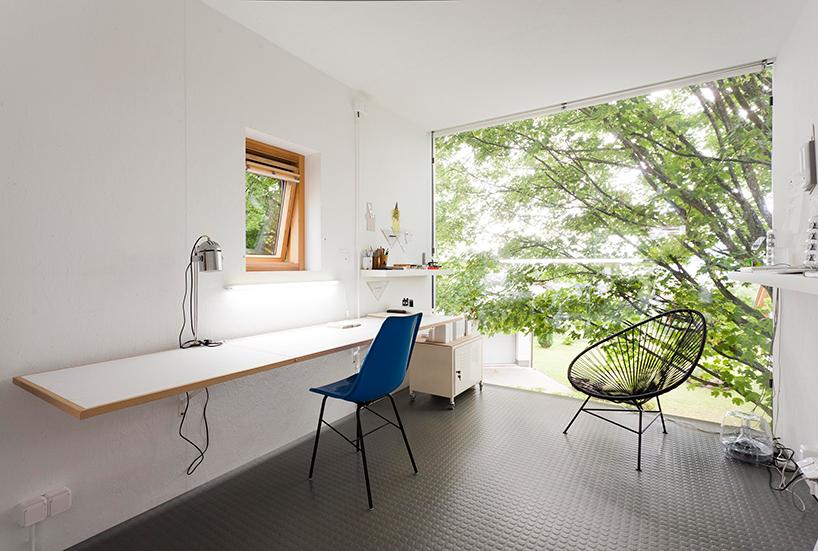 petr-stolin-architects-zen-houses-czech-republic-designboom-05