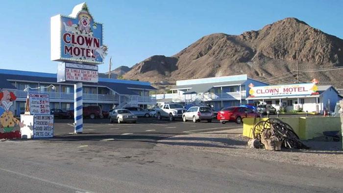 clown_motel (11)