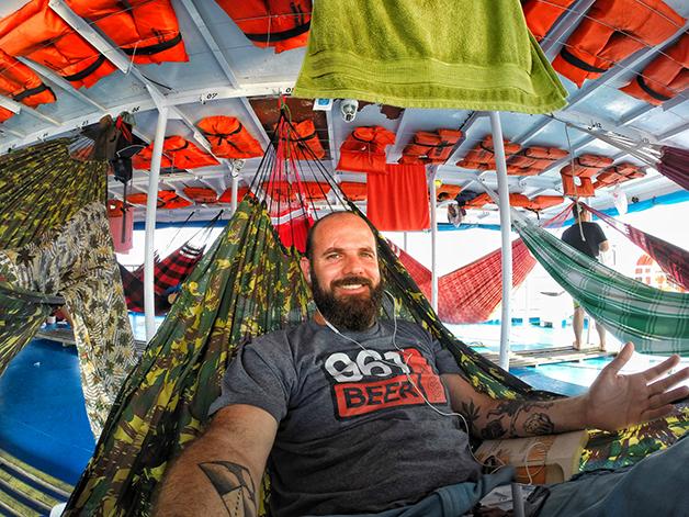 Seis dias de barco de Belém a Manaus dormindo na rede