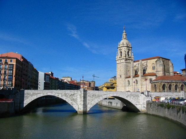 Puente_e_iglesia_de_San_Antón_(Bilbao)