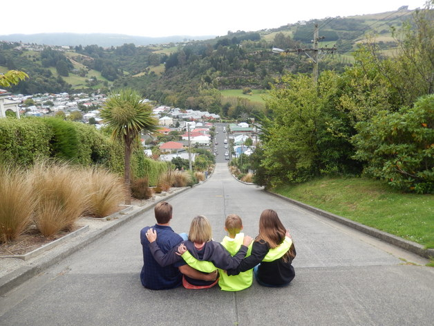 UBaldwin-Street-the-steepest-road-in-the-world