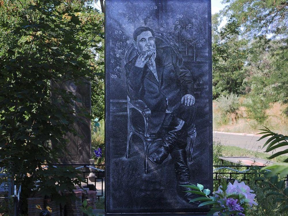 gangster-cemetery-yekaterinburg-242