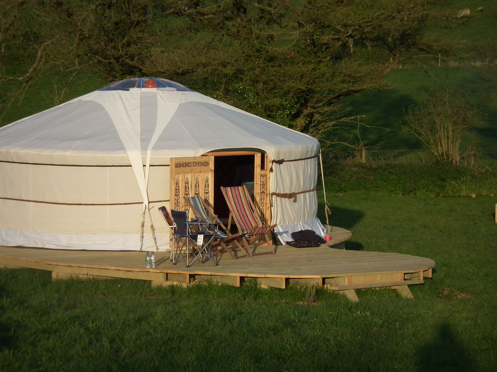 green-valley-yurts-west-country-dorset-large-1
