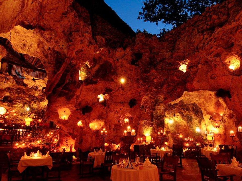 ali-barbours-cave-restaurant-diani-beach-kenya