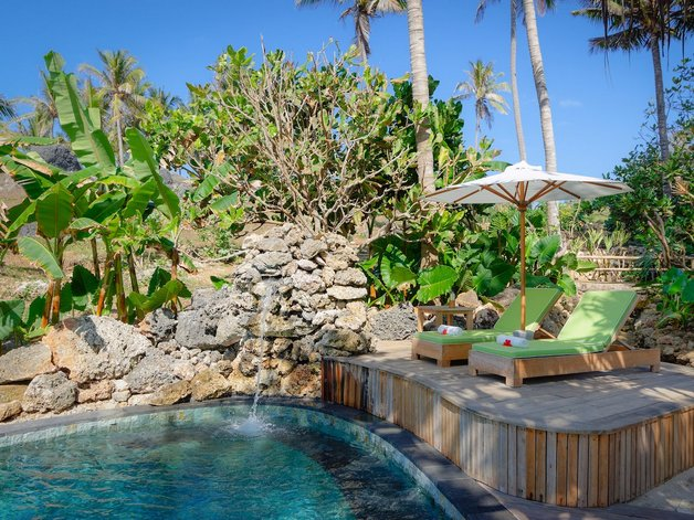 it-has-27-private-villas-with-plunge-pools
