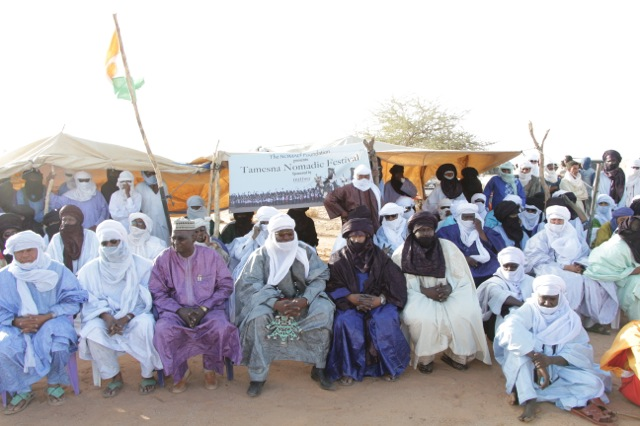 The crowd was full of important personalities and officials in the region:  The sultan of the Air, the vice president of the region council of Agadez (the president is the highest elected official in the north, and was our patron, but was called away and could not come.  The prefect of Ingall, the mayor of Ingall and many traditional chiefs.
