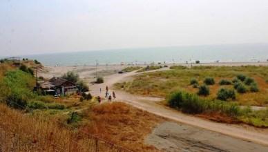 cu cortul pe plaja Corbu