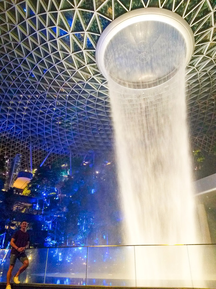 Jewel Changi Airport Waterfall, Jewel Changi Airport Waterfall