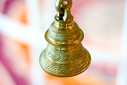 Temple-Bell-from-123RF-by-Alvin-Ganesh-Balasubramaniam