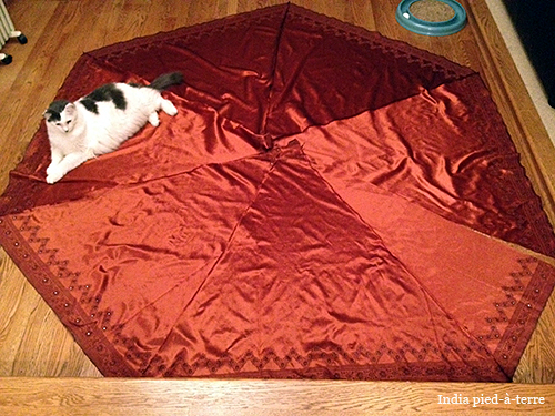 Making a Sari Tree Skirt