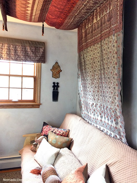 Daybed and Sari Ceiling Canopy
