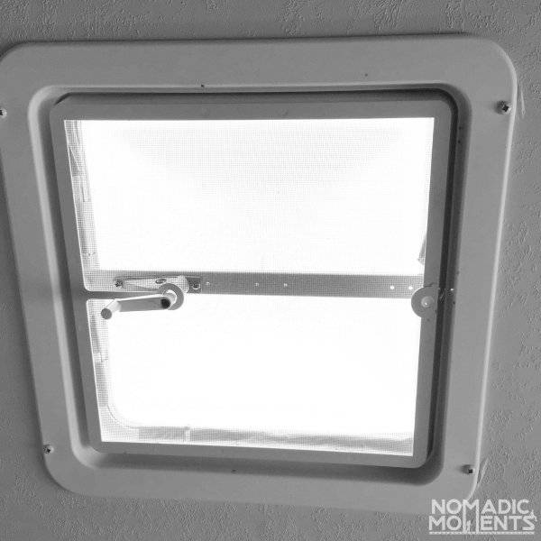 The Palomino Bronco 1500 ceiling vent.