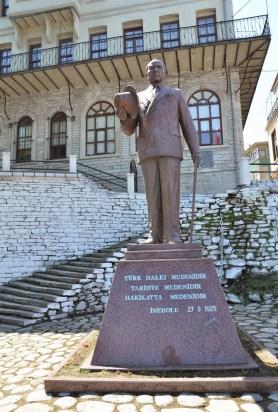 Atatürk hat law monument at Türk Ocağı in İnebolu, Turkey