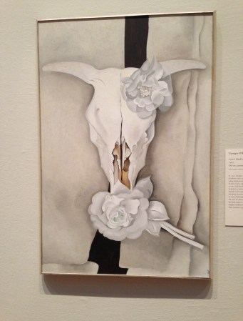 Cow's Skull with Calico Roses by Georgia O'Keeffe (1931) at the Art Institute of Chicago