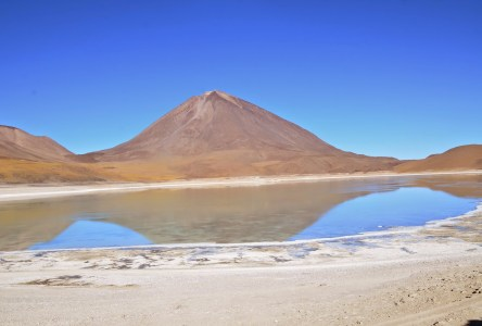 Laguna Verde at Reserva Nacional de Fauna Andina Eduardo Abaroa, Bolivia