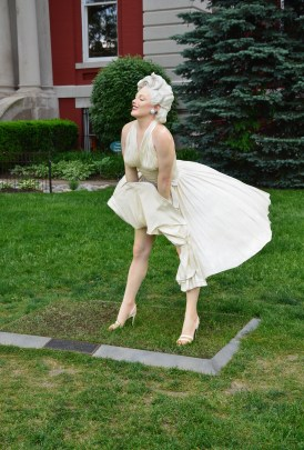 Marilyn Monroe statue on the square in Crown Point, Indiana